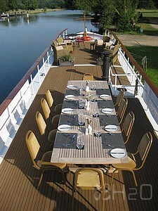 barge---hotel-barges for sale