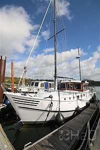 Sailing Boats - Motor Cruisers Volharding Sturier Yachts Head for sale