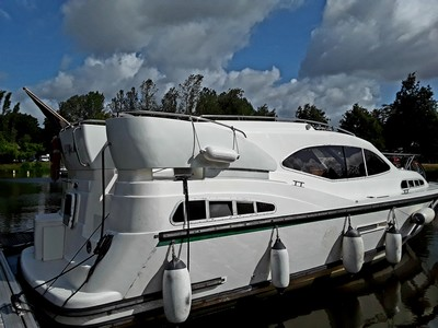 Motor Cruisers Haines Marine for sale